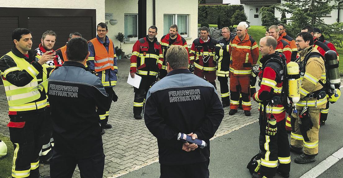 45 neu ausgebildete Feuerwehr-Offiziere