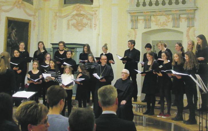 Die Stiftsschule verzaubert mit weihnachtlichen Melodien