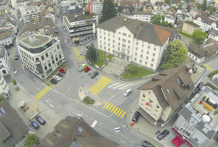 Bezirk greift die Neugestaltung des Einsiedler Dorfplatzes wieder auf
