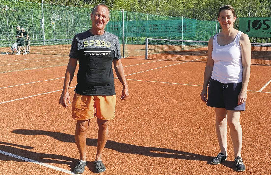 Die Tennisspieler sind zurück auf den Plätzen