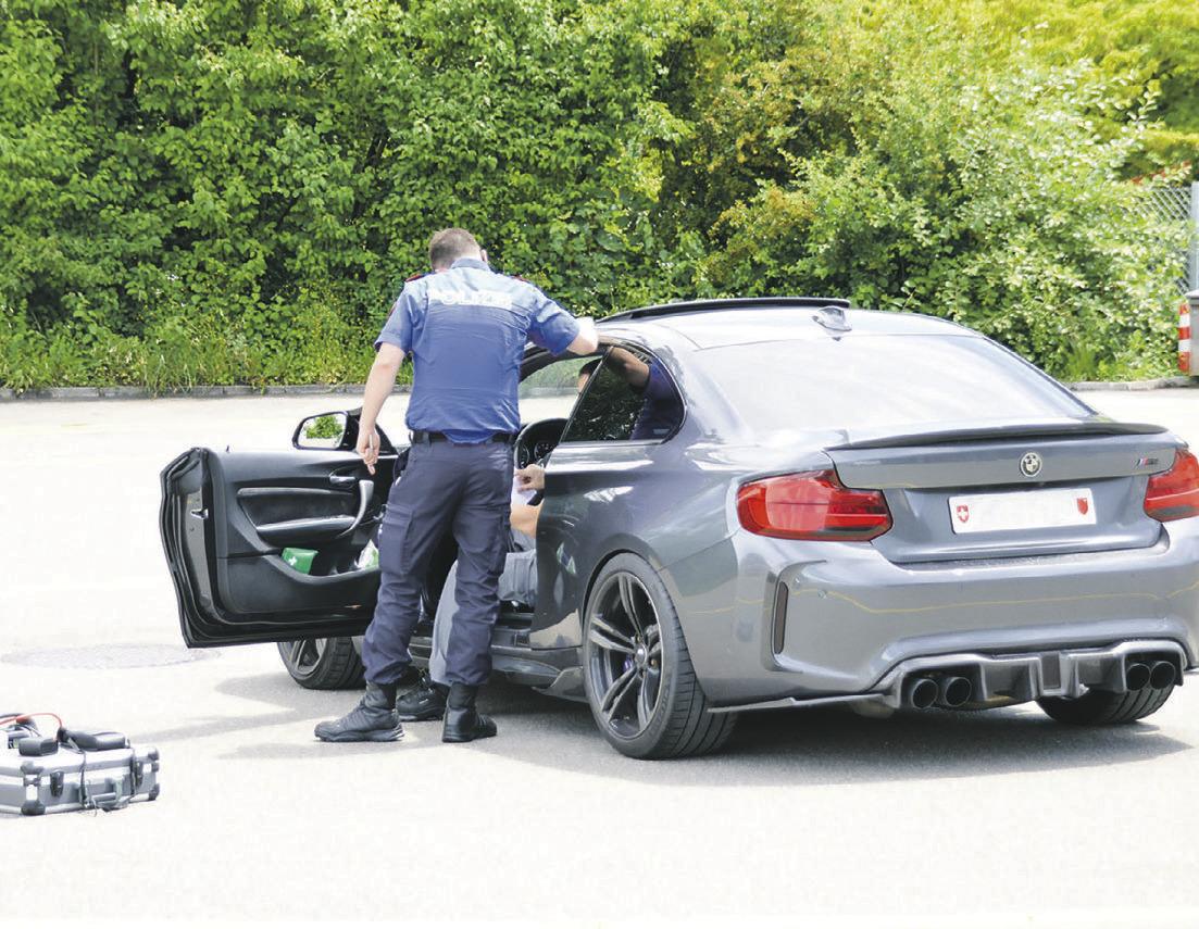 Die Polizei geht mit Vollgas  gegen Auto-Poser vor