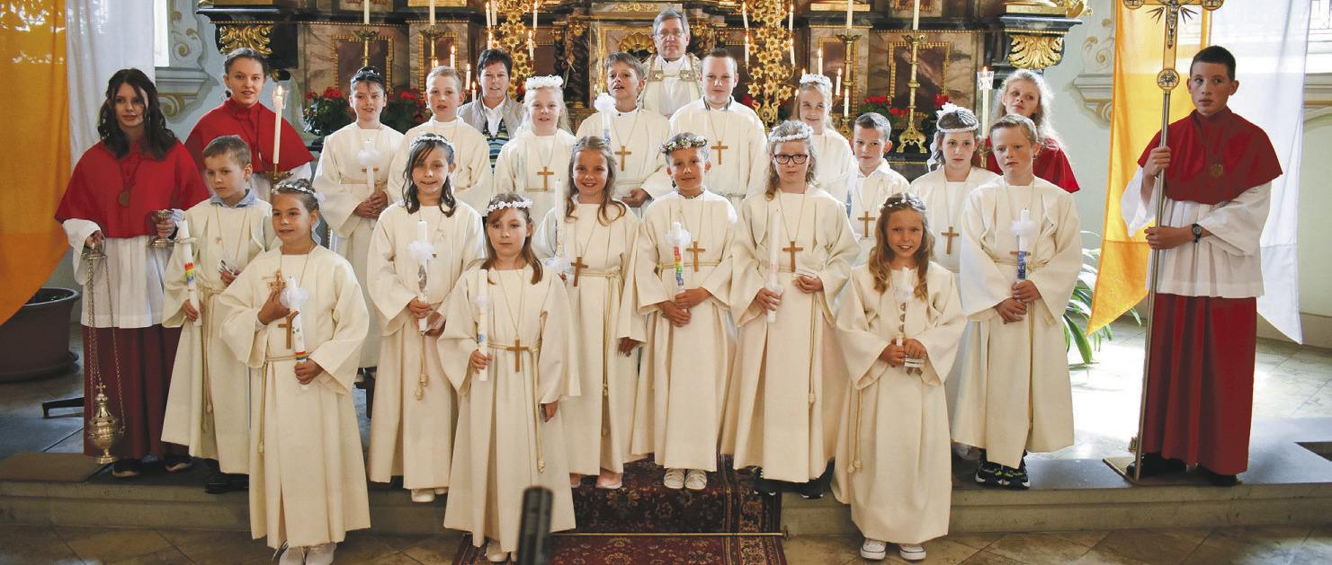 Erste heilige Kommunion durchgeführt