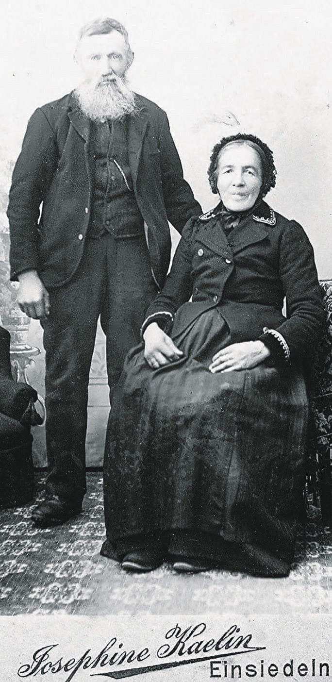 Wer kennt dieses Paar?