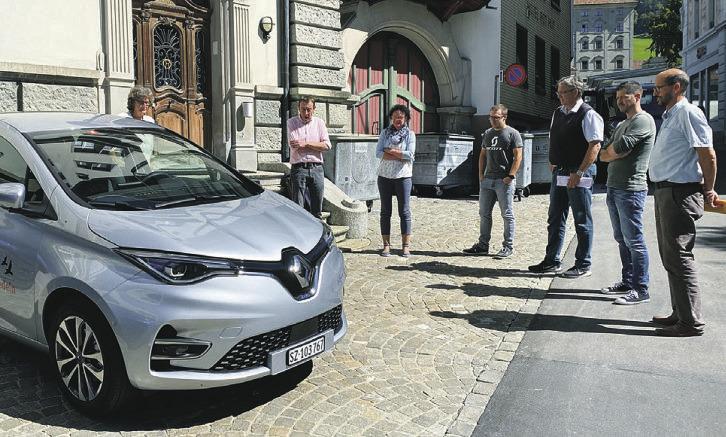 Bezirk Einsiedeln hat zweites E-Auto in Betrieb genommen