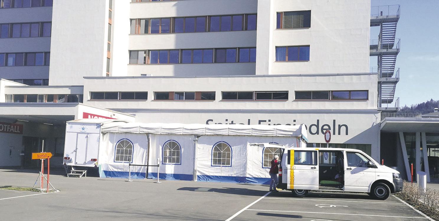 Auch Spital Einsiedeln erreicht  seine Kapazitätsgrenzen