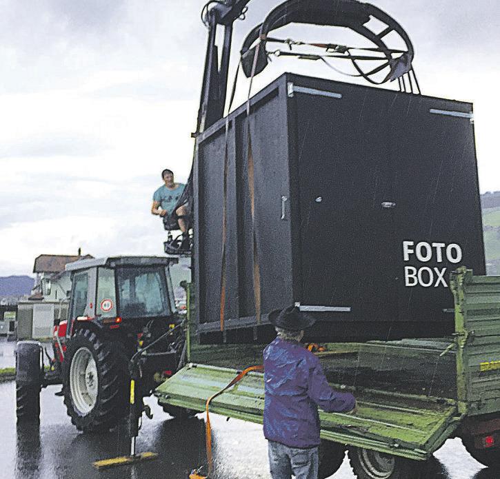 Fotografen zeigen  Interesse an der Fotobox