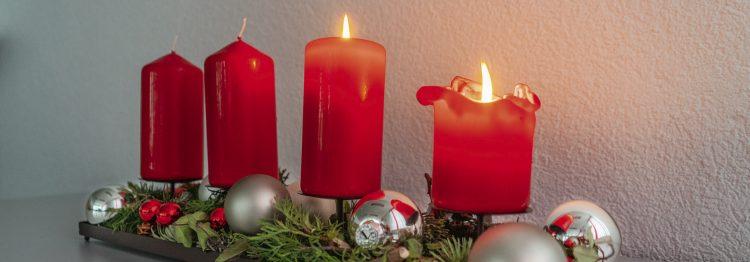 Kerzen auf dem Adventskranz  der Reihe nach anzünden?