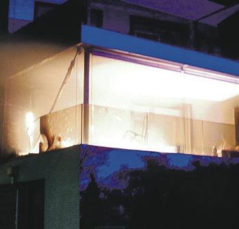 Sachschaden bei  Brand auf Balkon