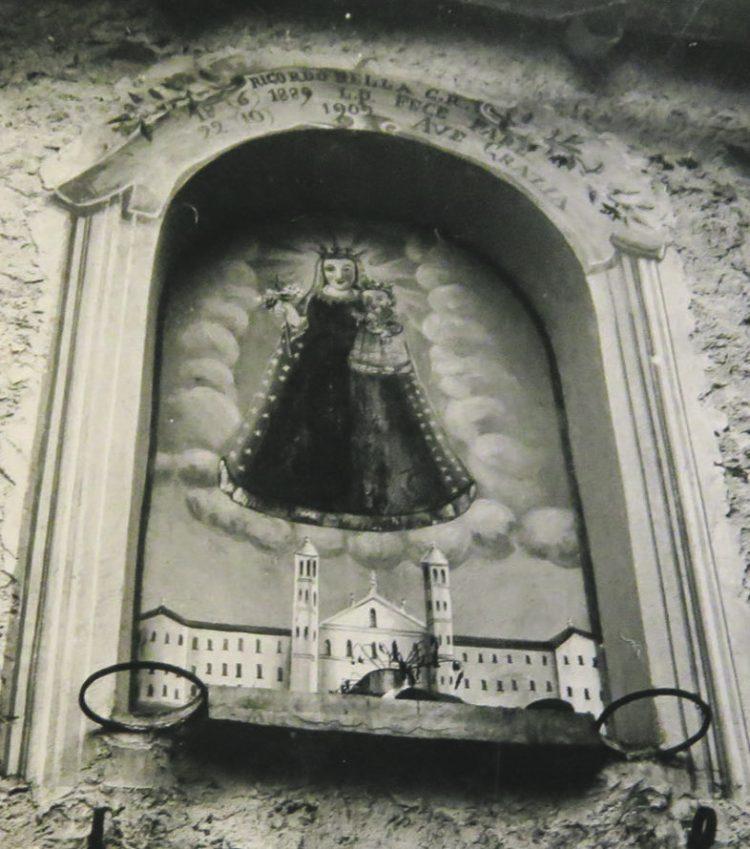 Wie kommen die Schwarze Madonna und das Kloster Einsiedeln an den Lago Maggiore?