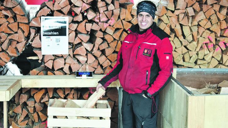 Genossame Dorf-Binzen beteiligt sich an Aktion für Schwyzer Brennholz