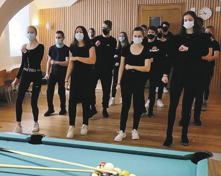 Jerusalema-Dance-Fieber greift auch in Einsiedeln um sich