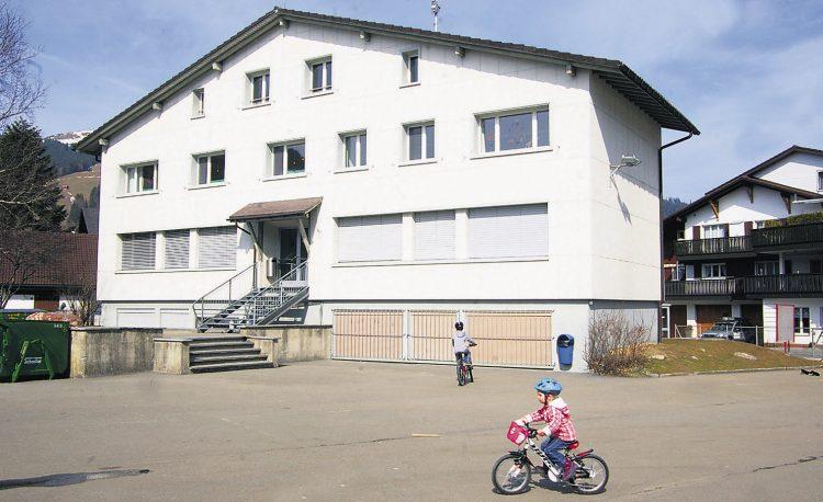 Initiative will den Verkauf des alten  Schulhauses Trachslau vorantreiben