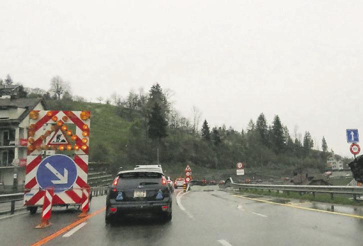 Kaum Stau trotz Tunnelbau:  Schindellegi bleibt im Dilemma