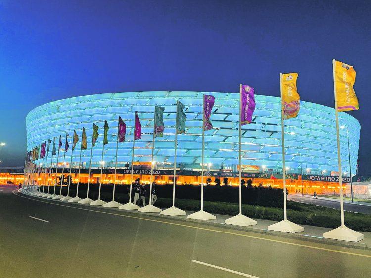 Im Stadion in Baku live dabei: Heute Abend und morgen im EA