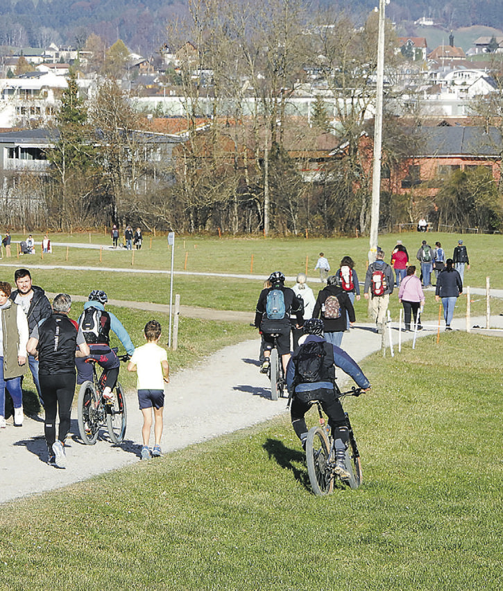 Wanderer und Biker wollen  den Konflikt lösen