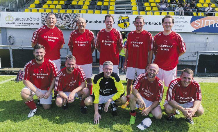 Der FC Kantonsrat Schwyz kommt dem Titel immer näher