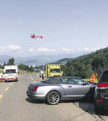 Verletzte nach Unfall mit vier Autos