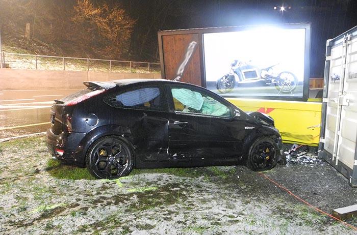 Autounfall in Einsiedeln – Verdacht auf Drogeneinfluss